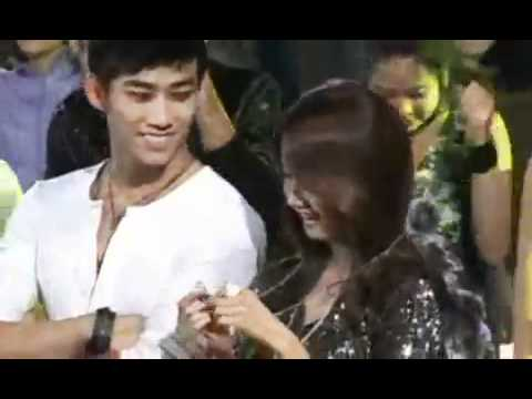 Taecyeon gives a forhead kiss to Yoona ! - YouTube