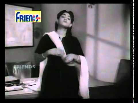 Lara Lappa Lara Lappa Layee Rakh Da EK THI LADKI 1949 avi   YouTube