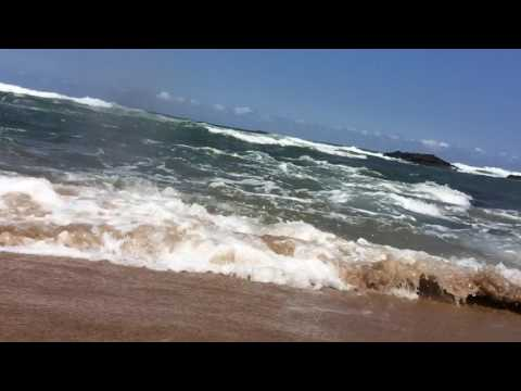 Strong waves rushing at camera! Cool sensation!