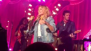"LIVE! Kylie Minogue ""Dancing"" at Gorilla Manchester"