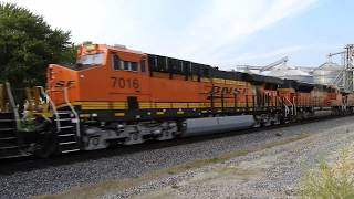 Video BNSF 6062 a ES44AC leads a Z train east through Ransom IL download MP3, 3GP, MP4, WEBM, AVI, FLV November 2018