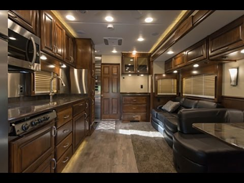 IWS Motor Coaches 2016 Renegade Classic Mid Entry Stk 3324