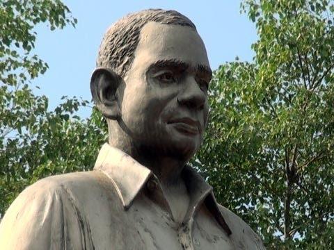 C. Kesavan's statue at Kozhencherry