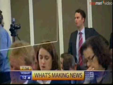 Andrew Robb told to STFU by staffer at PRESS CLUB.
