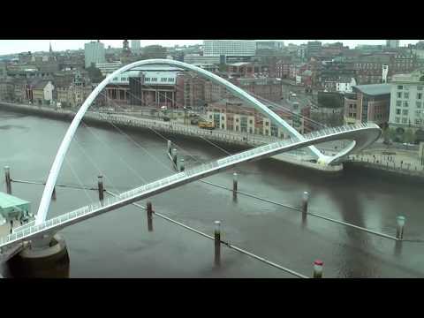 Timelapse of Gateshead Millennium Bridge