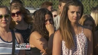 Hundreds mourn 2 Southington teens killed in crash on I-84