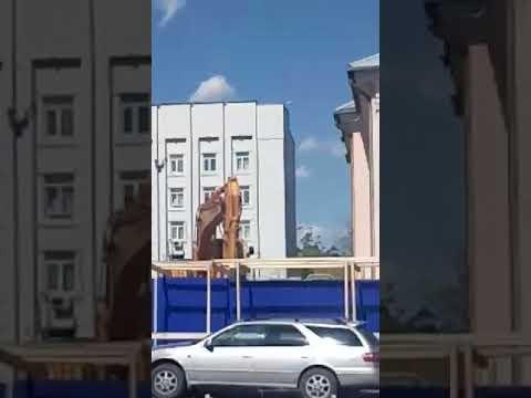 В Улан-Удэ сносят кинотеатр Октябрь