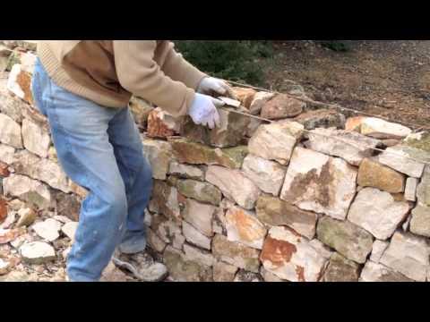 Come Costruire Un Muro Di Pietra.Muretto A Secco Youtube