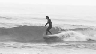 モダンクラシックなシングルフィンのロングボードでサーフィンしてみた。。。