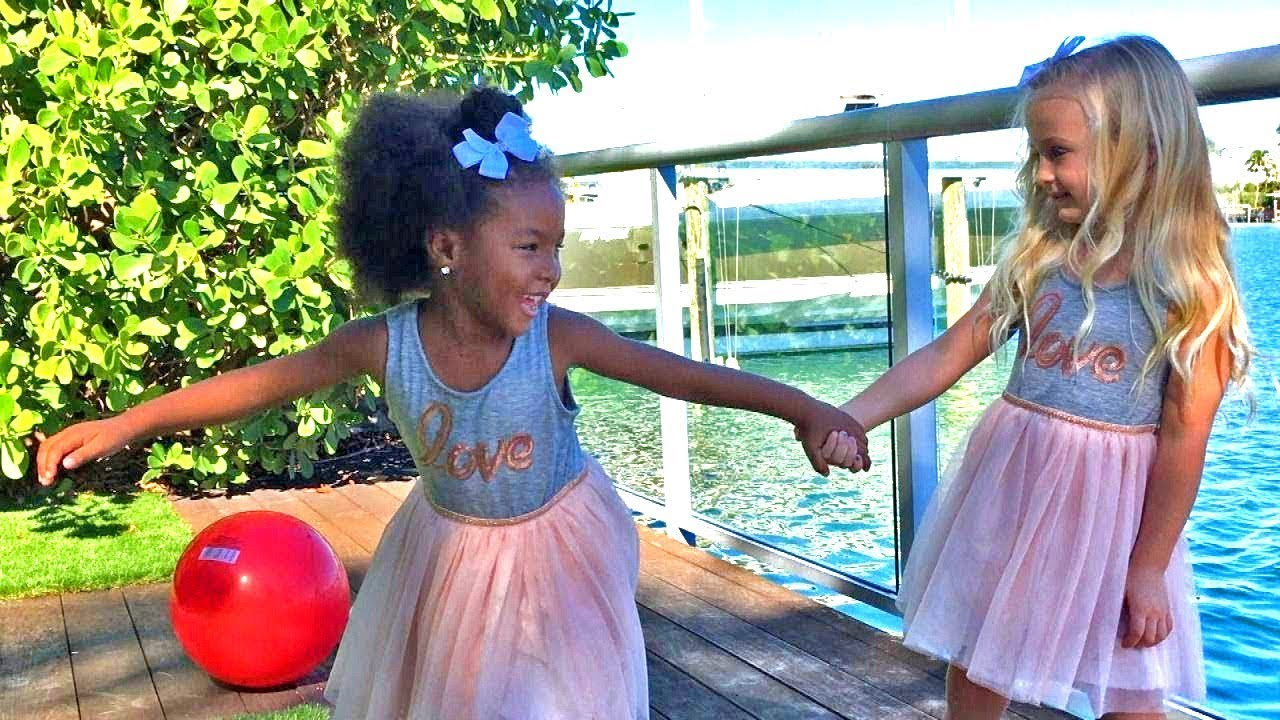 4-Year-Old Girls Swear They're Twins Even Though They Have Different Skin Colors