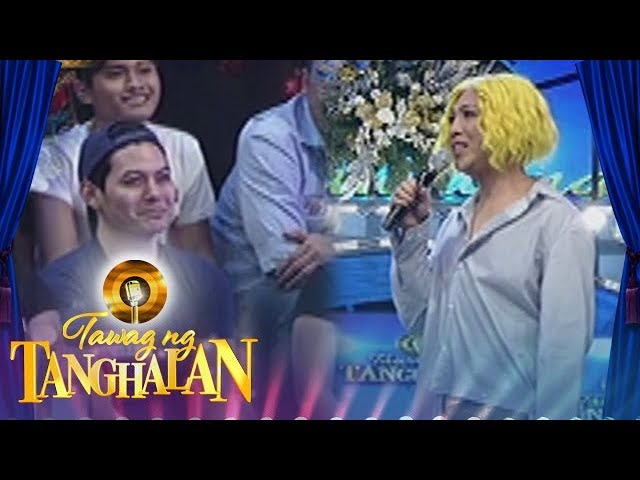 Tawag ng Tanghalan: Vice Ganda notices a cute guy behind Teddy
