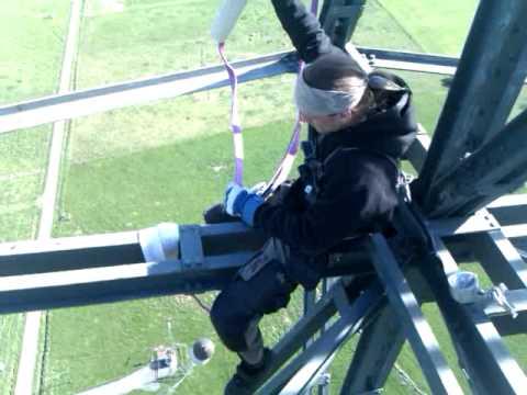 Grimeton masten 128 meter upp...blåser som faaaan
