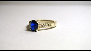 Женское кольцо с синтетическим сапфиром\ring with synthetic sapphire
