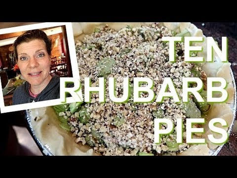 How to Make Rhubarb Pie | Impress Your Guests With a Homemade Pie