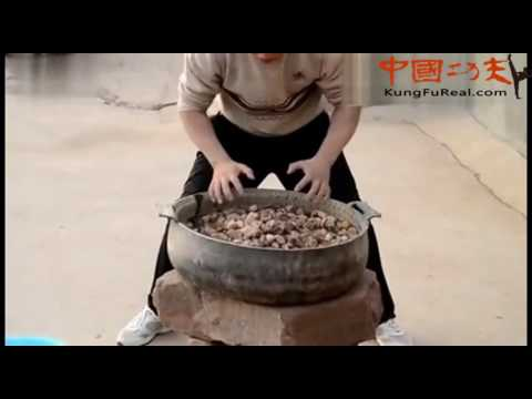 shaolin training----Traditional Shaolin Kung Fu Iron Palm training video