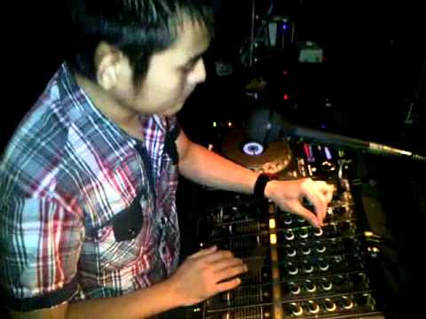 DJ Robby M3 On The Mix -  Party Rock Anthem