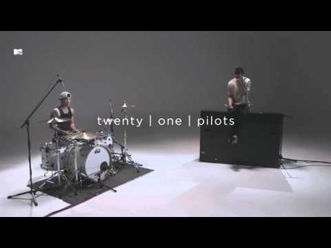 Twenty One Pilots Holding On To You - Live MTV PUSH
