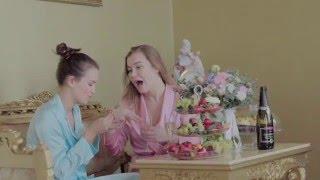 "Паулина Андреева и Кристина Бабушкина провели девичник в отеле ""National""."