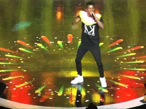 Kofi Kinaata performs 2017 VGMA
