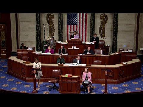 Дональд Трамп оправдан Сенатом США с перевесом всего в несколько голосов.