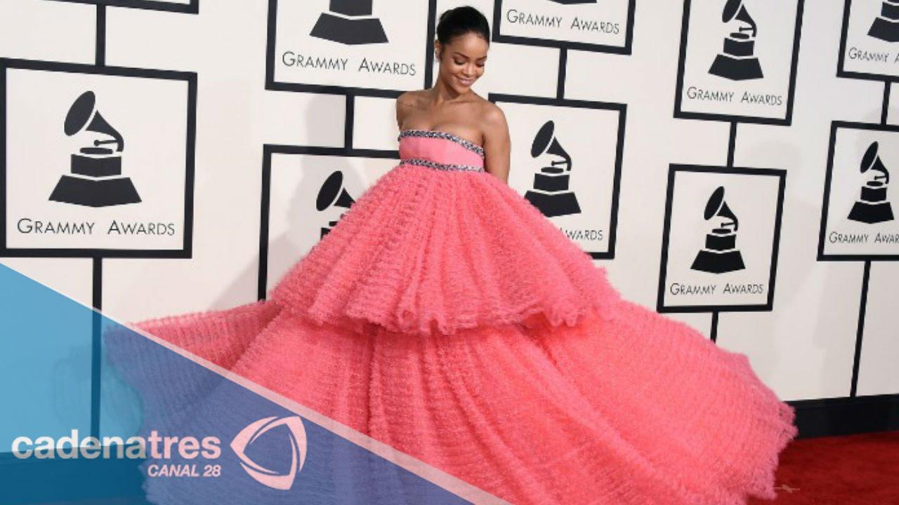6a5e05addf Los mejores memes del vestido de Rihanna en los Grammy 2015 - YouTube
