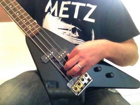 hondo deluxe 860 flying v electric bass guitar youtube. Black Bedroom Furniture Sets. Home Design Ideas