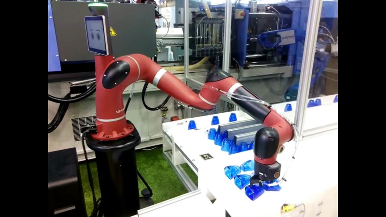 Le robot collaboratif sawyer sur le salon fip youtube for Salon plasturgie