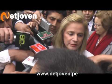Pilar Nores: 'He venido con mis hijas a darle el cariño que sentimos por Arturo Zambo Cavero'