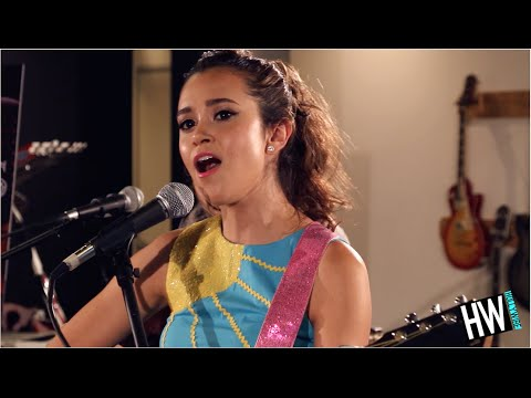 Megan Nicole 'Summer Forever' LIVE (Acoustic) | Hollywire Sessions