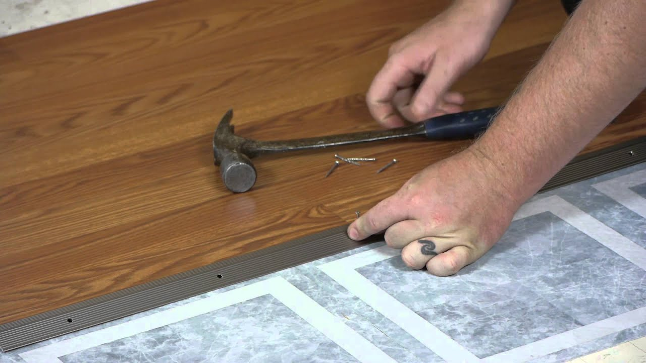 Transitioning from laminate flooring to linoleum working on transitioning from laminate flooring to linoleum working on flooring youtube dailygadgetfo Images
