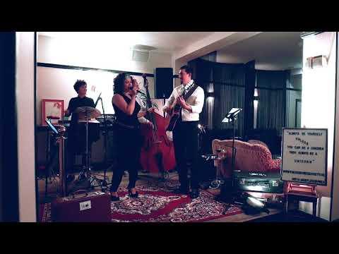 Akoestische vintage band - Price Tag - achtergrondmuziek - akoestische muziek