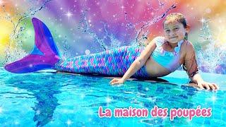 Le costume de sirène. Nageons dans la piscine. Jeux pour les filles.