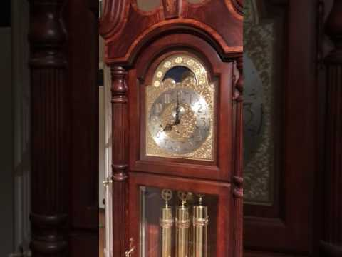 Herschede vs Howard Miller - Grandfather Clock Face Off - Whittington Chime - You Decide