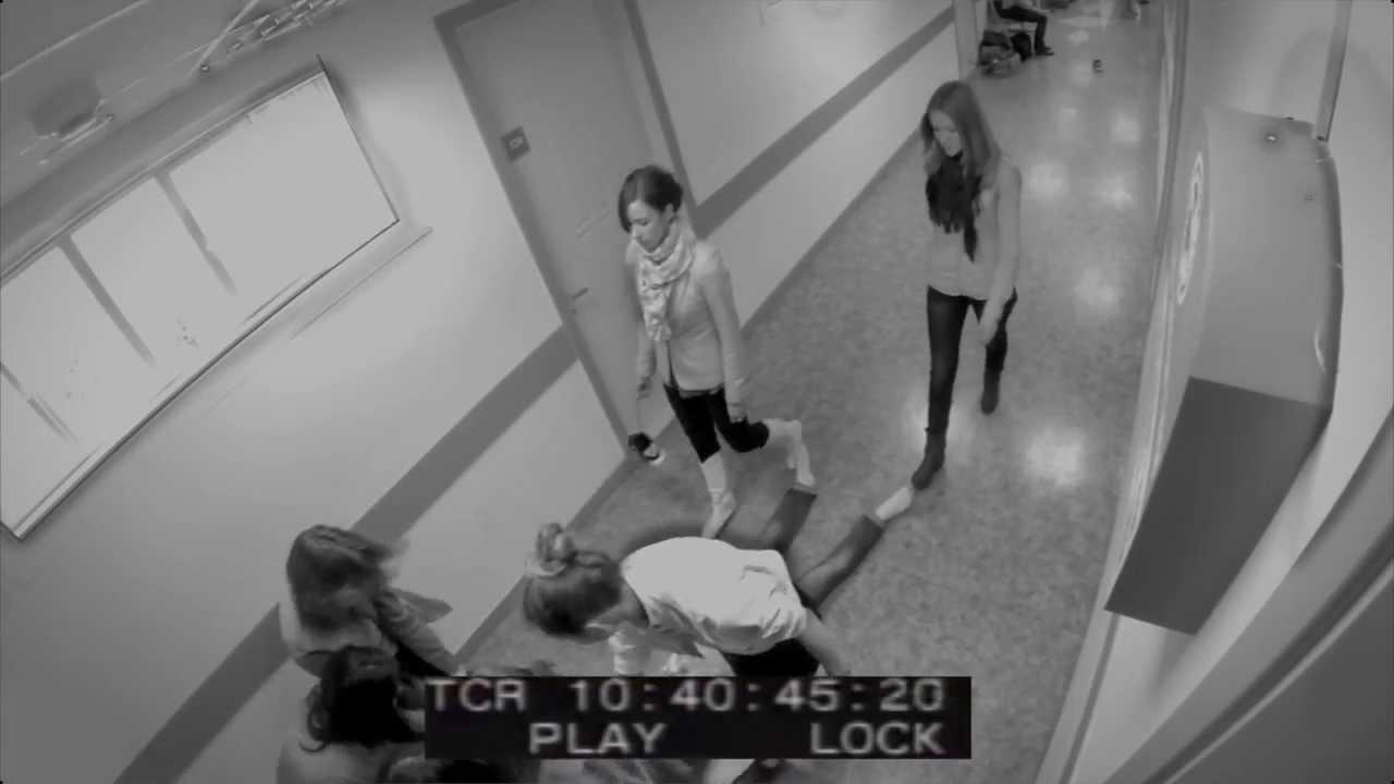 Один парень две девушки скрытая камера