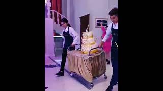 Свадебный угар Невеста в шоке Два торта на свадьбе