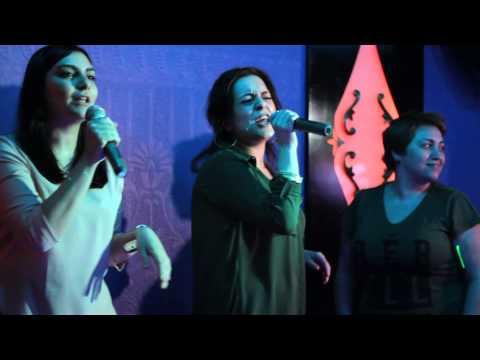 """""""I will survive"""" live at Karaoke Bar Versus"""