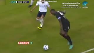 Gol fantasma, gol anulado y penalti anotado de Usain Bolt en un partido benéfico
