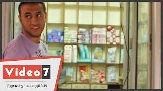 """أحمد عادل.. شاب ترك الصحافة واشتغل """"بياع صابون"""""""
