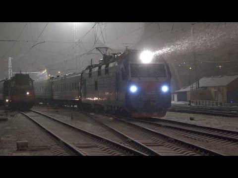 Электровоз ЭП1П-033 с поездом №58 Иркутск — Кисловодск