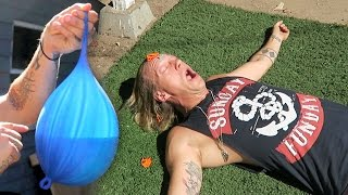 Download Video Bear Mace Balloon Drop Challenge! MP3 3GP MP4