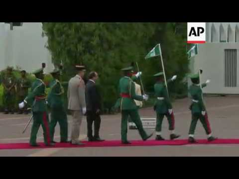 Hollande arrives for Nigeria talks on Boko Haram