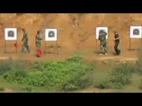 Dân Quân Tự Vệ bắn súng