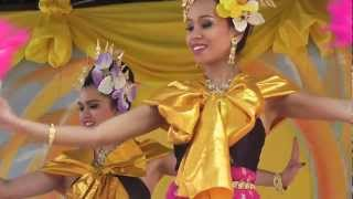 Fan dance รำพัด, Songkran Festival, Thai Wat Wimbledon, London, 15/04/12