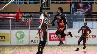 SlamBall lets players like 5-8 Lu Feng sky over opponents
