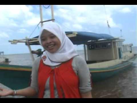 Gadis Balikpapan - Aam Danau Ft. Noor Lathifah