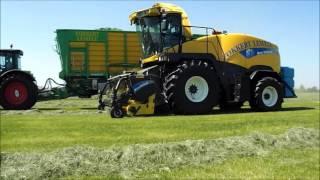 Gras 2016  Gras hakselen door Loonbedrijf Fokkert Lemele