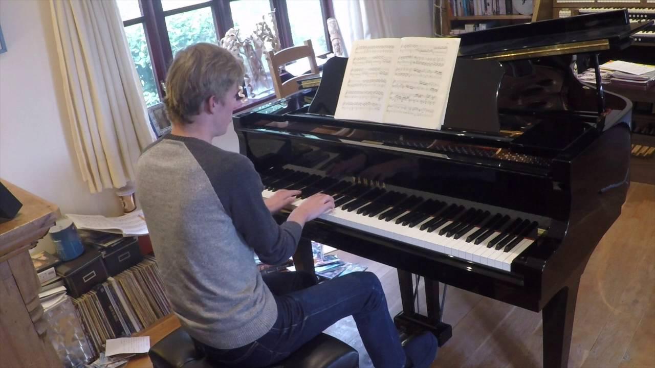ABRSM Grade 8 Piano 2017-18 B1: Beethoven - Rondo - YouTube