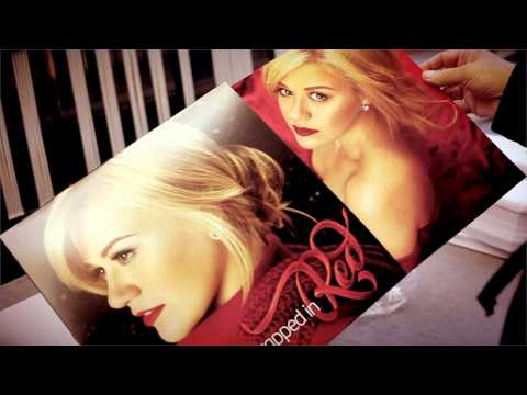 Kelly Clarkson's WRAPPED IN RED Vinyl Pressing