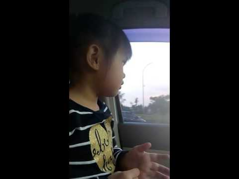 Cutie Girl singing and dancing dangdut Jarang Pulang
