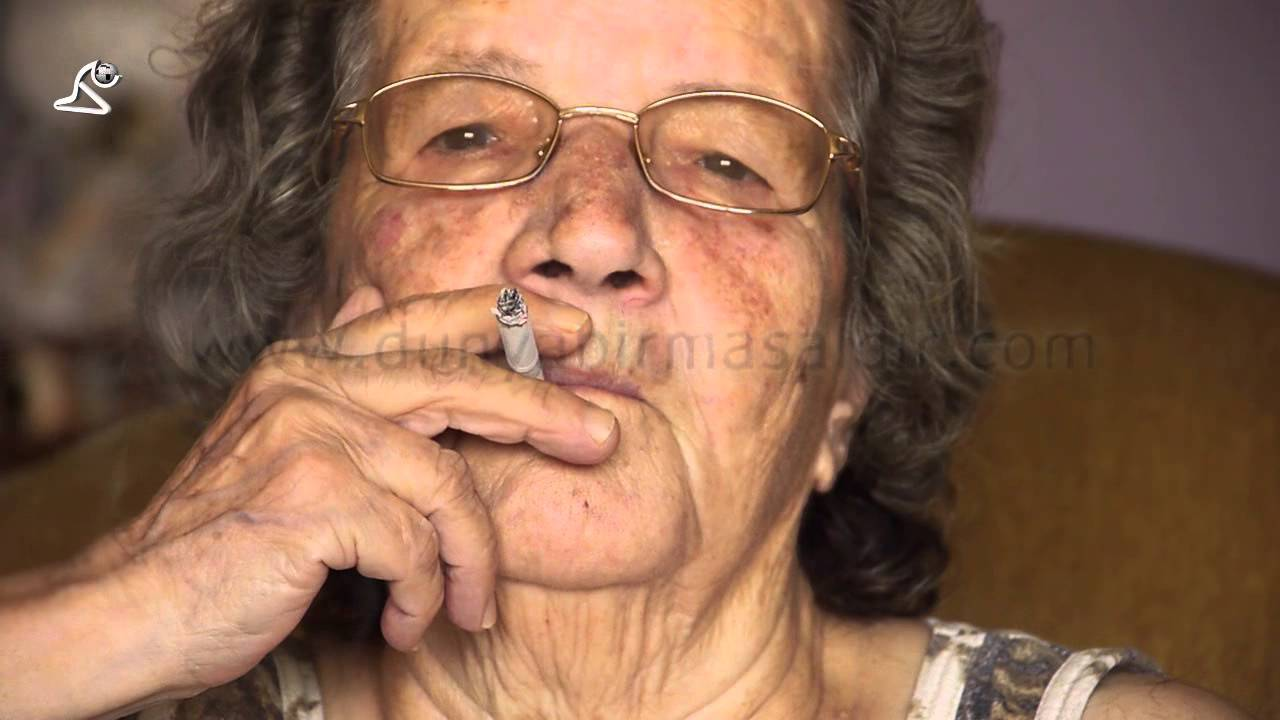 smoking cigarettes women Old